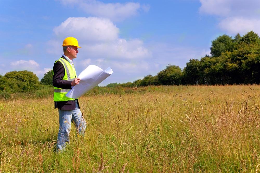 En région PACA, à Carpentras ART ET BASTIDE procède à l'étude du plan terrain pour votre projet de construction de maison